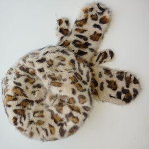 Leopard hat & mittens